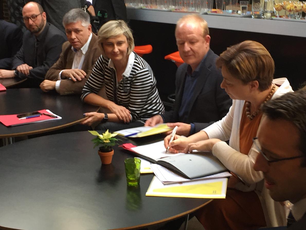 Ondertekening engagementsverklaring met ministers Crevits en Vandeurzen